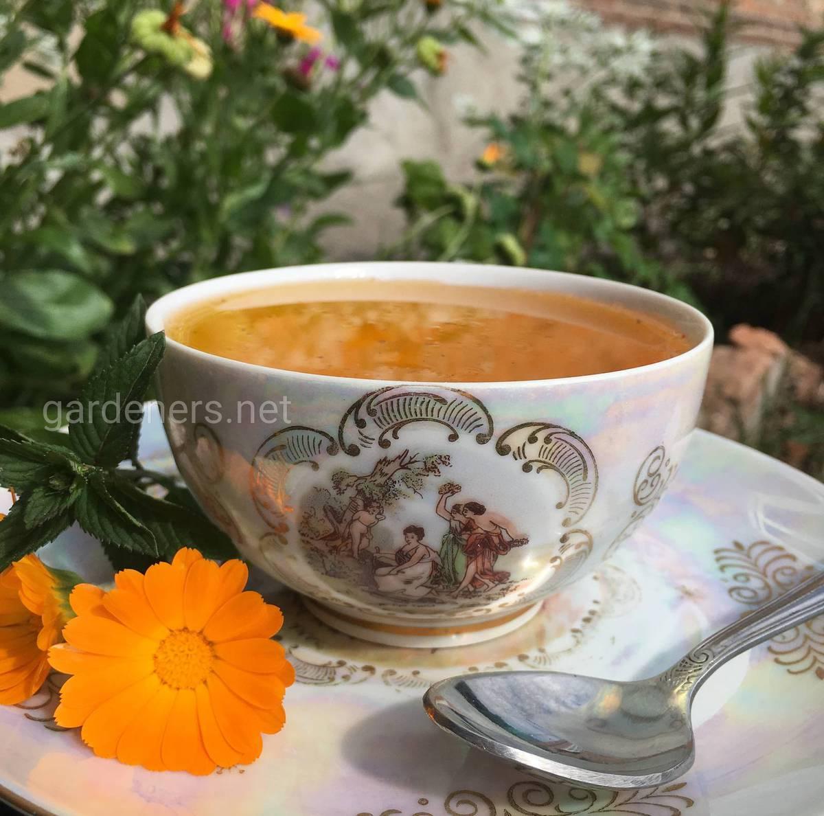 вкусный мед в чаше