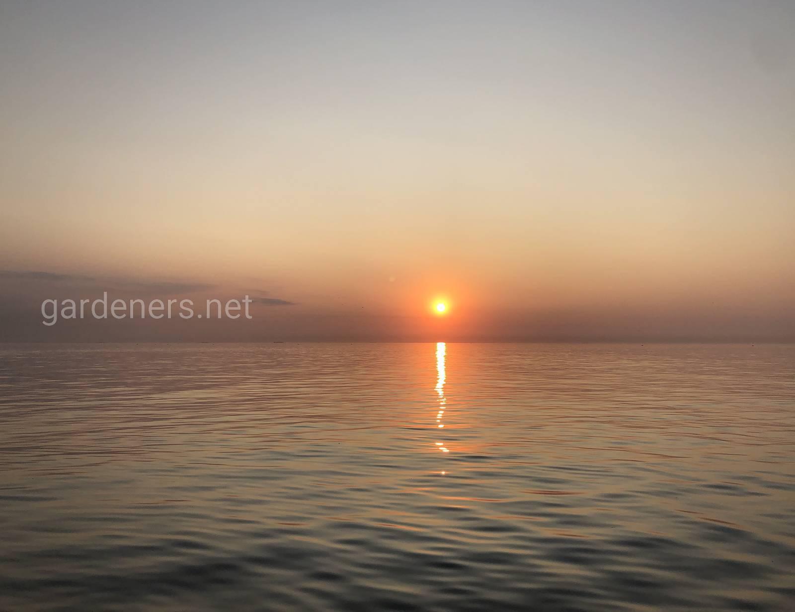 Рассвет в Одессе. Чёрное море