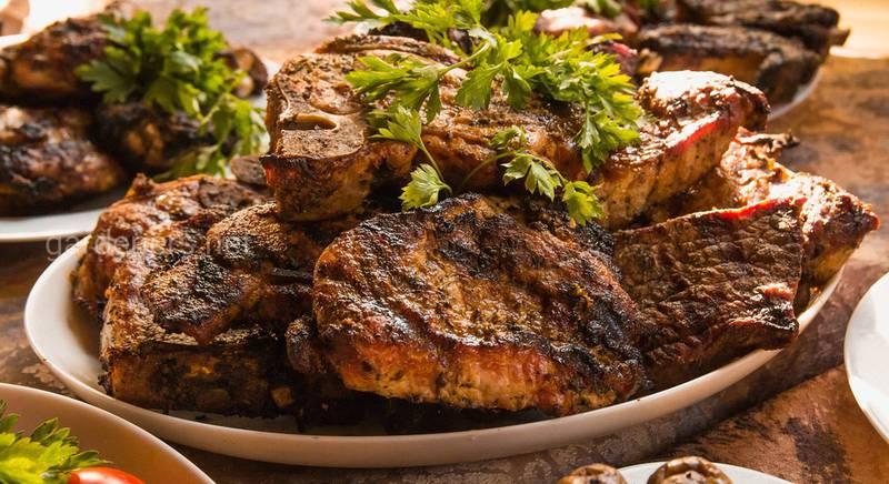 Шашлык, который нужно попробовать: подборка универсальных рецептов маринадов для мяса