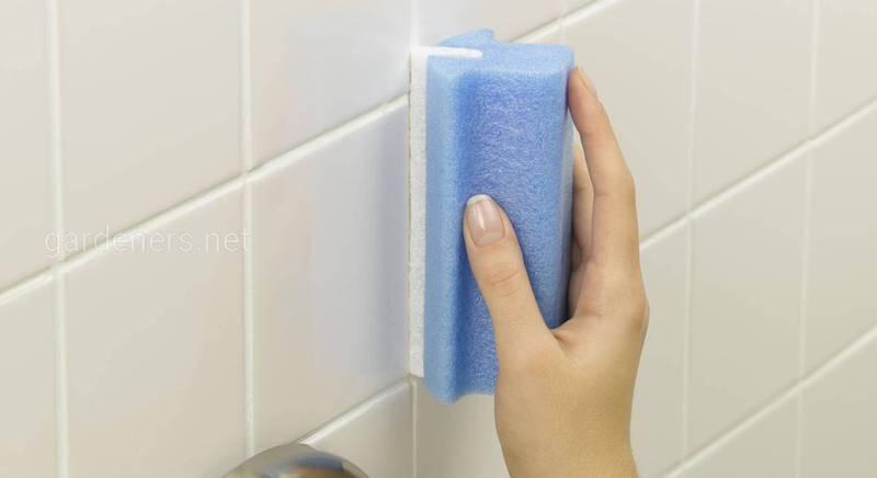 Мытье кафельной плитки в ванной до блеска