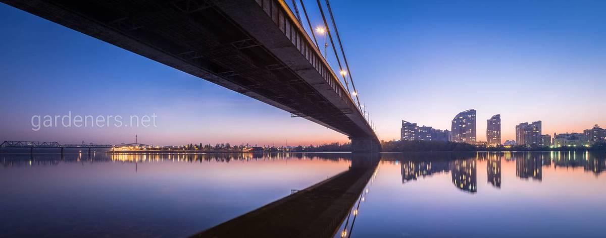 под Северным мостом в Киеве