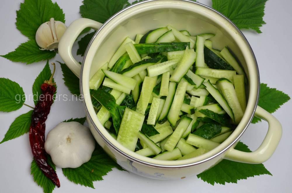 Салат огірки по-корейськи