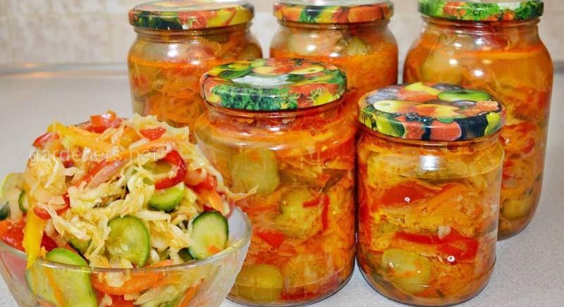 Салат на зиму з огірками, перцем і помідорами. Рецепт