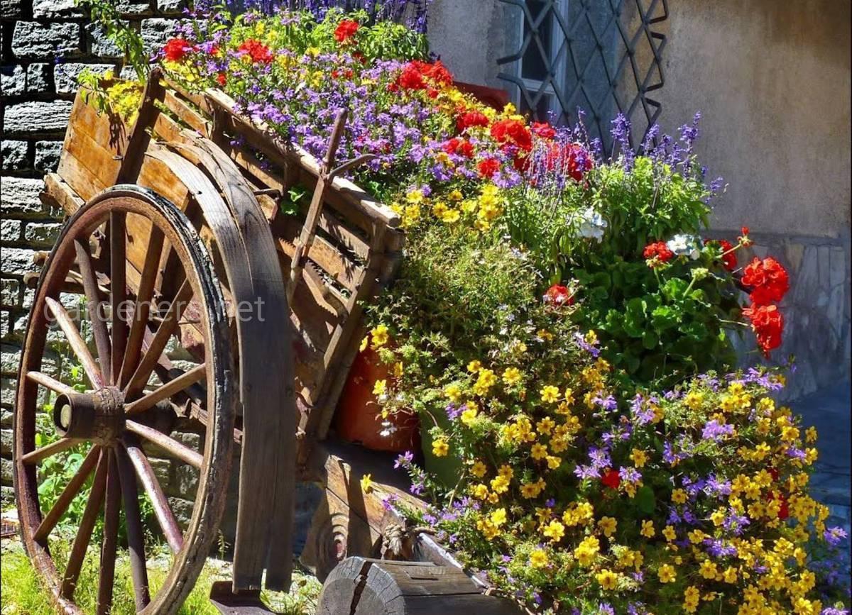 Телега для цветника