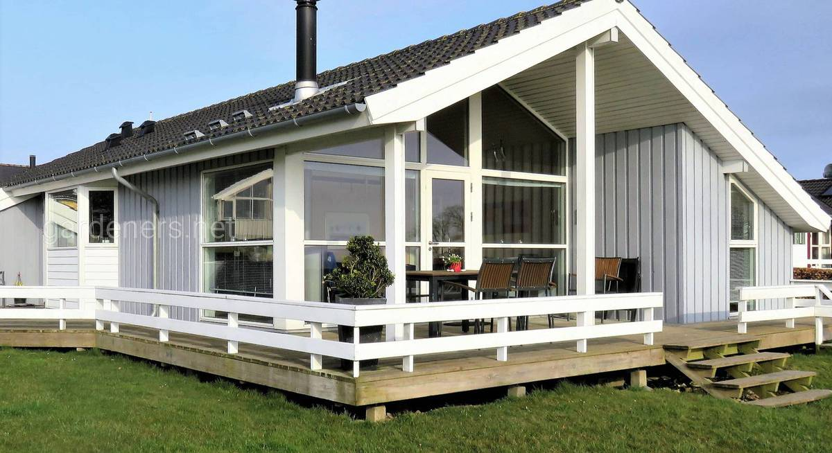 holiday-house-3322326_1920