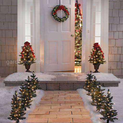 Декорирование крыльца к Новому году