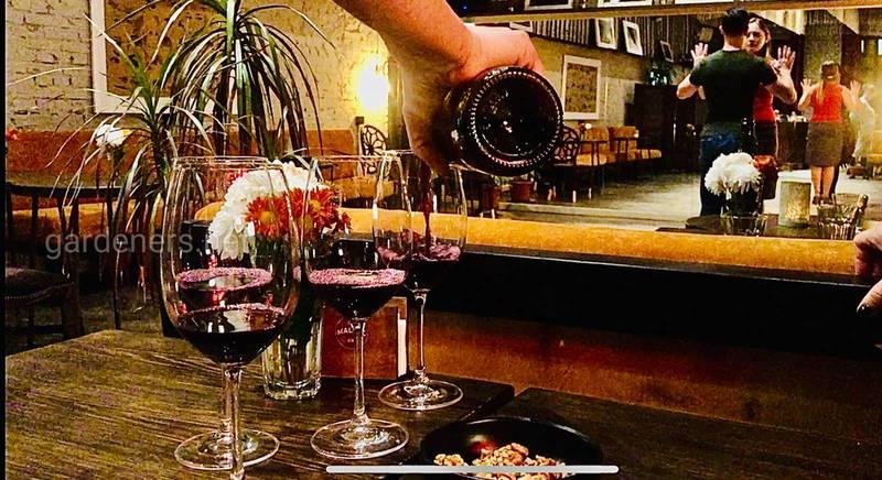 Красное сухое вино Каберне из Ренийского района Одесской области, частная винодельня.