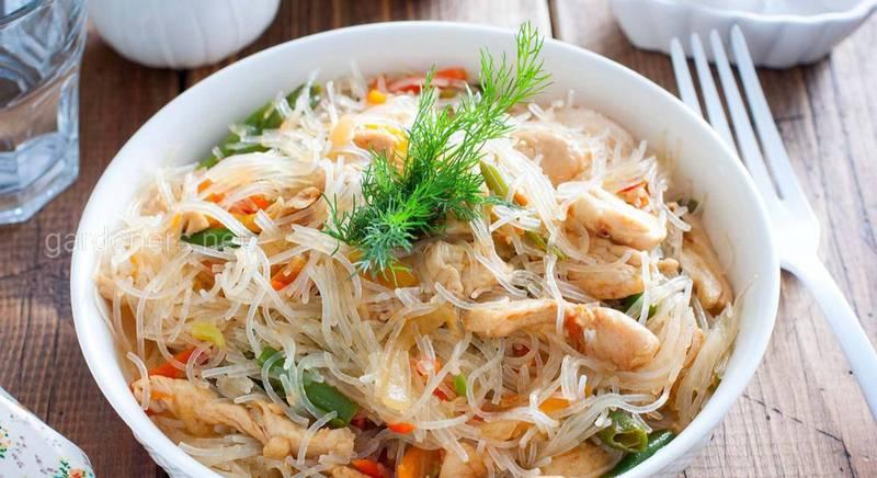 Китайская лапша фунчоза с курицей и овощами: рецепт приготовления
